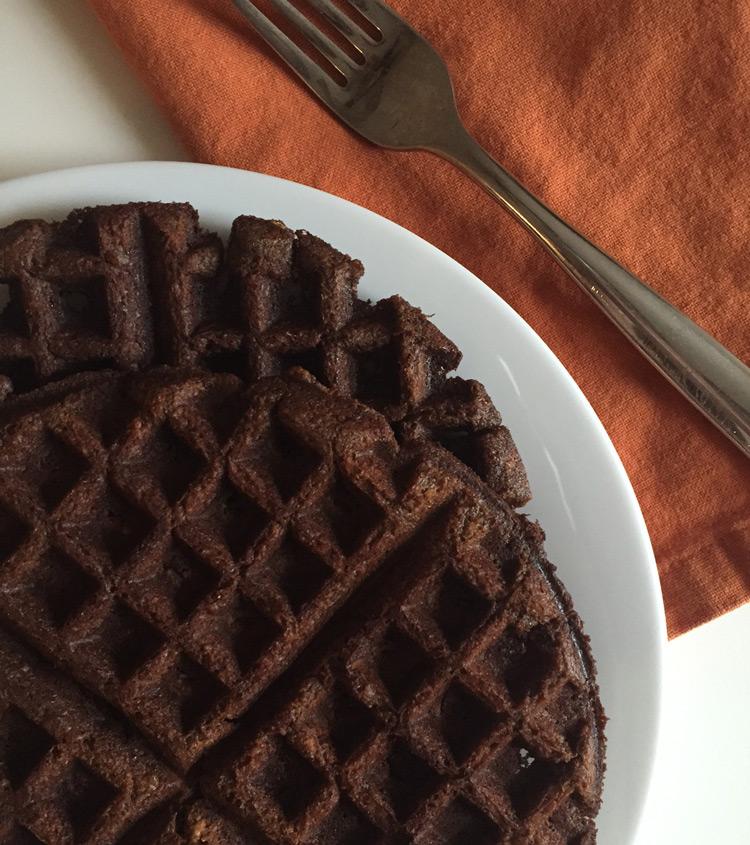 einkorn-gingerbread-waffles